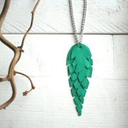 Design Sinivuokko Lehti kaulakoru hopean värisellä ketjulla (vihreä)