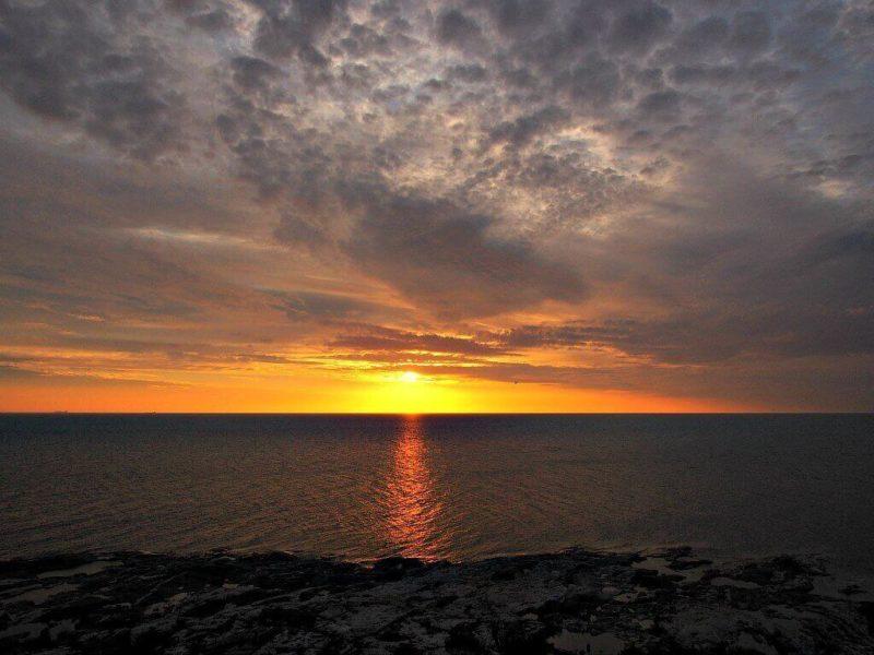 Kylmäpihlajan auringonlasku