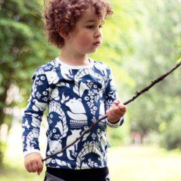 PaaPii Design Pohjolanportti lasten paita (mustikka) ongella