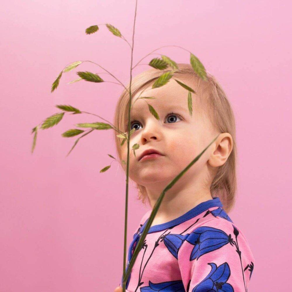 PaaPii Design mekkobody kissankello vaaleanpunainen päällä