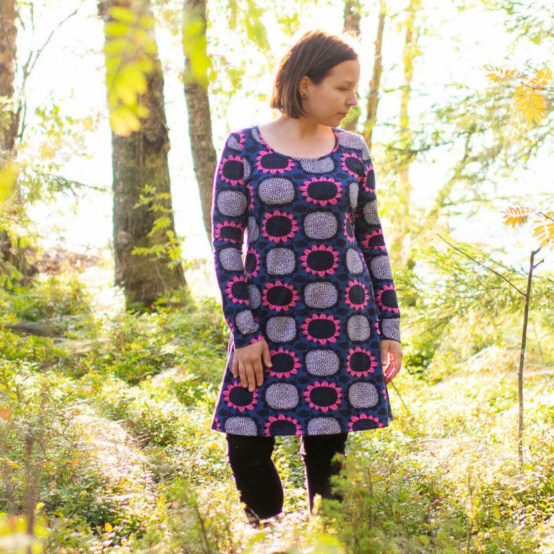 PaaPii Design Sumu tunika Auringonkukka mustikka-pinkki metsä 2