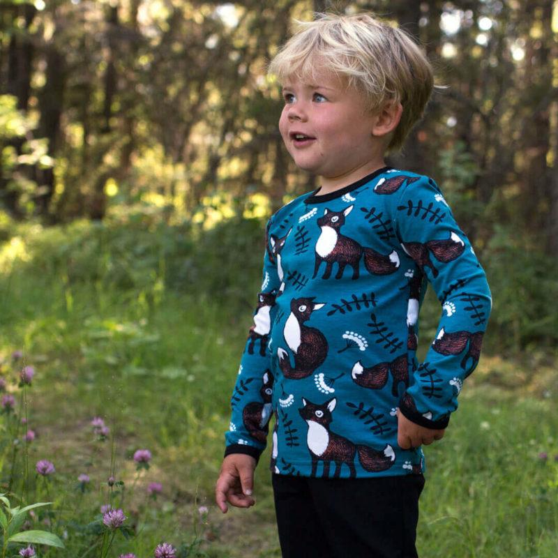 PaaPii Design Uljas lasten paita Nuutti petrooli-ruoste ulkona 2