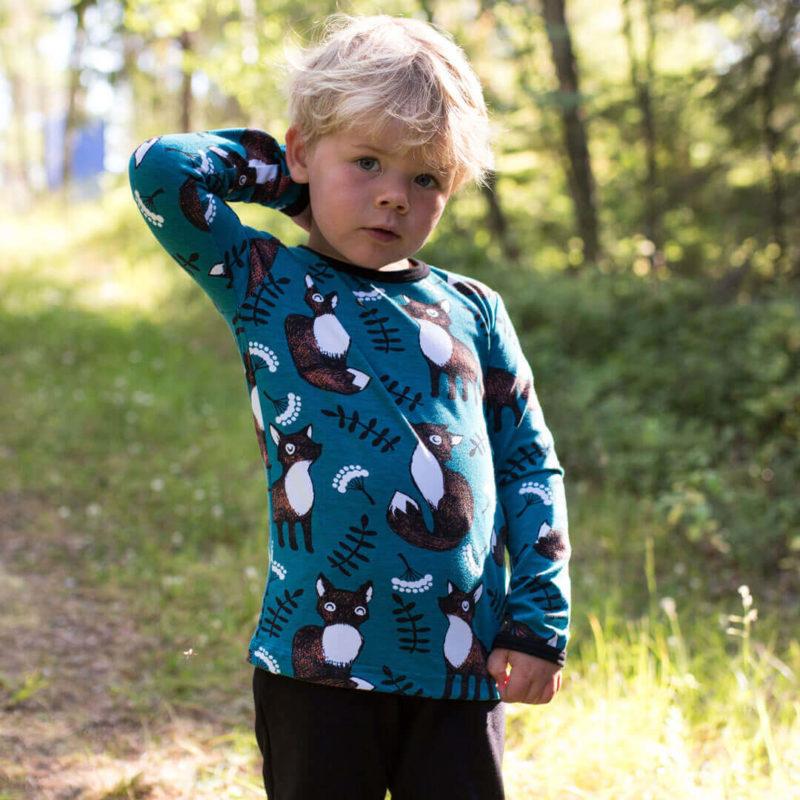 PaaPii Design Uljas lasten paita Nuutti petrooli-ruoste ulkona