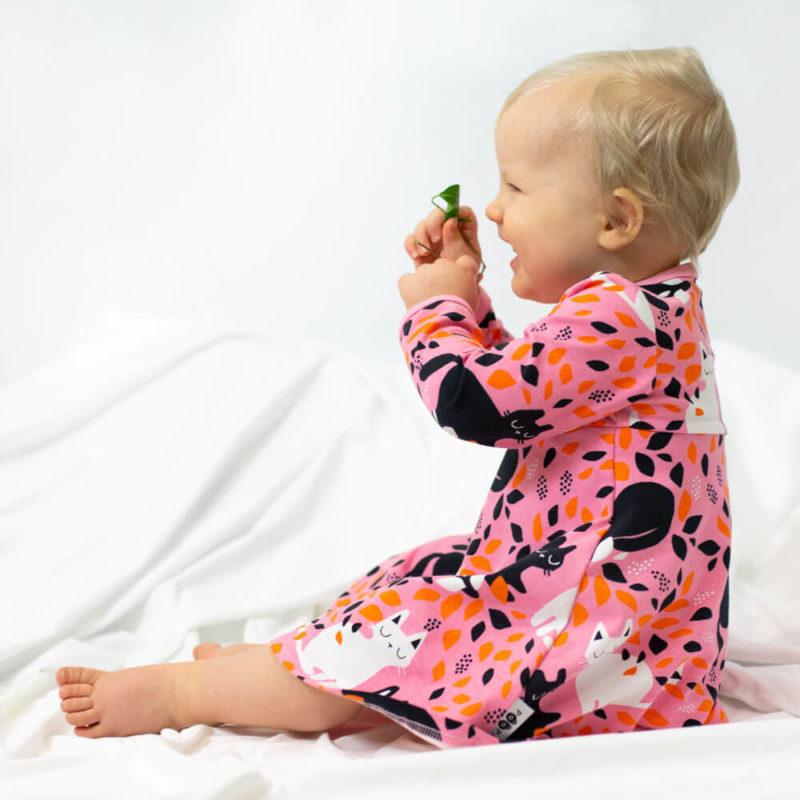 PaaPii Design Mekkobody Piilo vaaleanpunainen-oranssi istuu