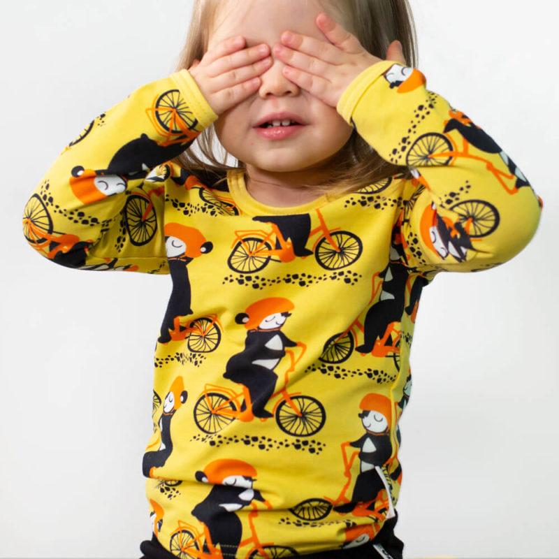 PaaPii Design Uljas paita Into pyöräilee keltainen-oranssi piiloleikki