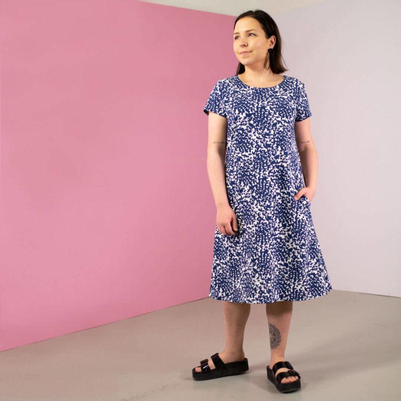 PaaPii Design Sointu mekko Satakieli mustikka etu