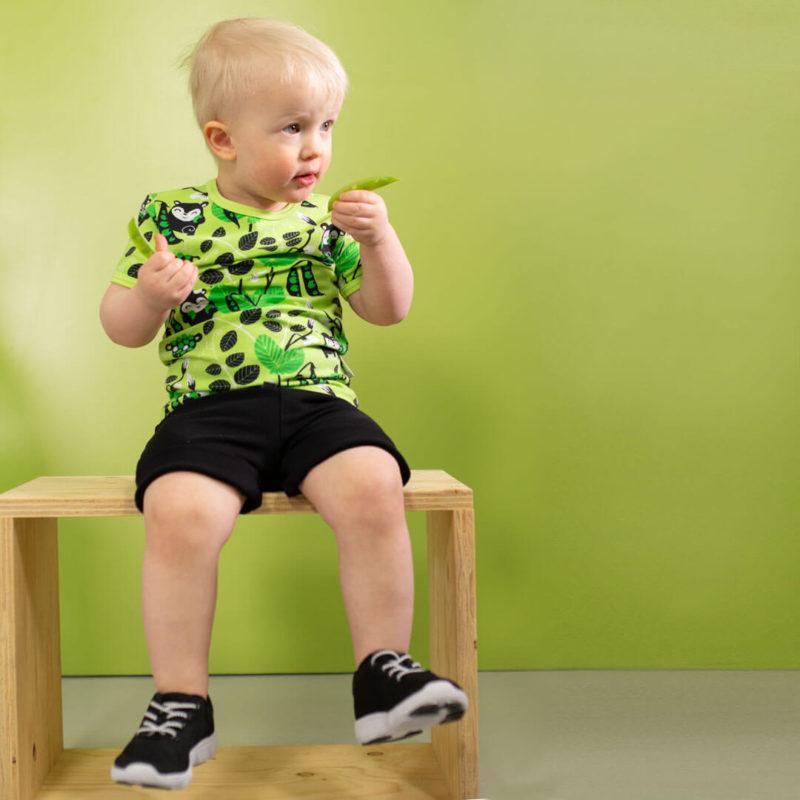 PaaPii Design Visa T-paita Herne omena-vihreä istumassa