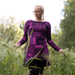 PaaPii Design Heija tunika Sarka violetti pellossa 2