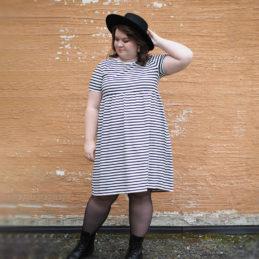Kanto Design Lilja mekko mustavalko raita 2