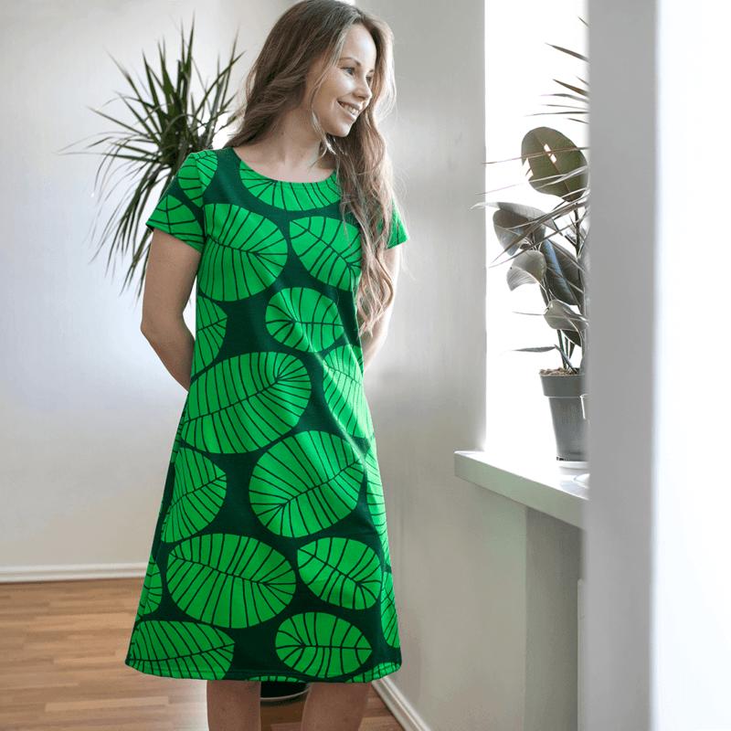 PaaPii Design Sointu mekko Banaaninlehti tummanvihreä 2