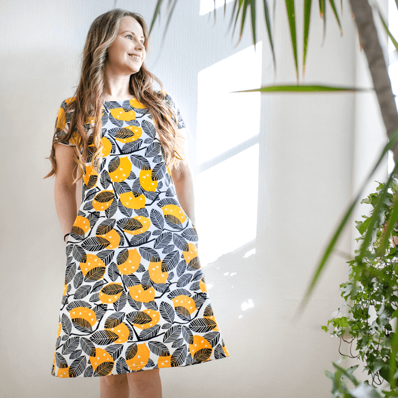 PaaPii Design Sointu mekko Sitruuna aurinko1