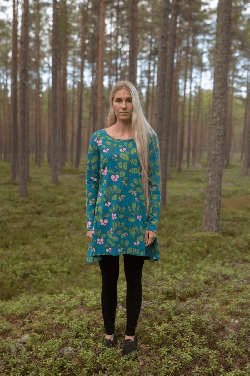 PaaPii Design Heija tunika Puolukkapuu petrooli-metsä 3