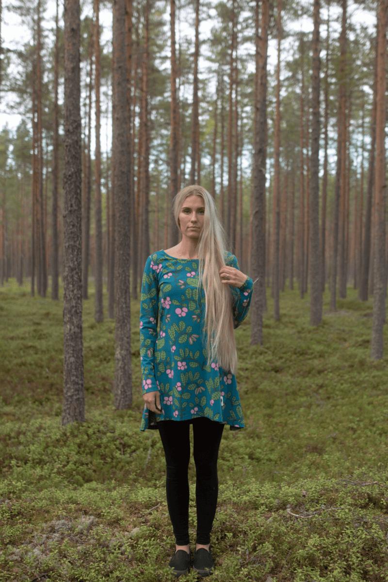 PaaPii Design Heija tunika Puolukkapuu petrooli-metsä 4