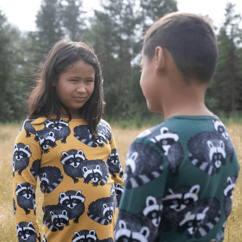 PaaPii Design Nooa paita Pesukarhu tummanvihreä-harmaa ja Nelli tunika Pesukarhu okra-harmaa 3