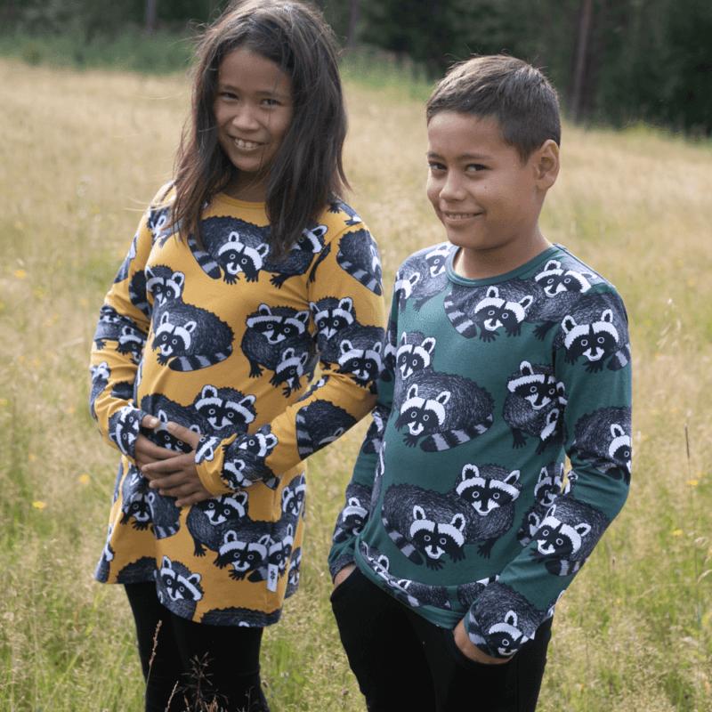 PaaPii Design Nooa paita Pesukarhu tummanvihreä-harmaa ja Nelli tunika Pesukarhu okra-harmaa